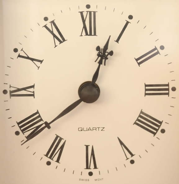 Library Hours-Clock Face-copyrighted image/Fotolia.com