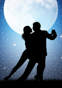 Dancing in Moonlight-copyright adrenalinapura/Fotolia.com